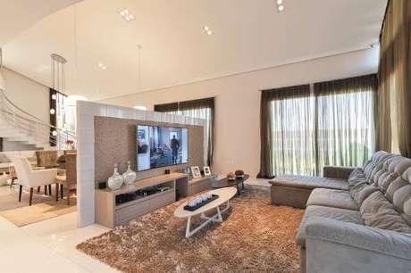 14. O painel para tv é um dos móveis indispensáveis para sua casa – Projeto: Manoela Lustosa