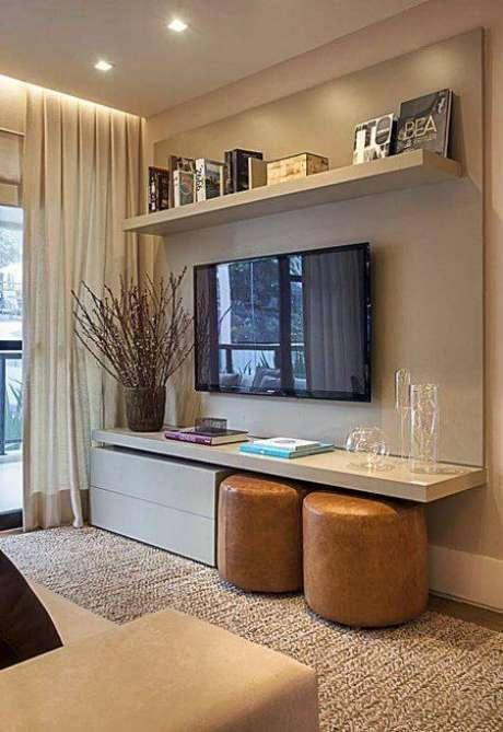 8. Escolha um painel para tv que seja funcional para o seu dia a dia – Via: Pinterest
