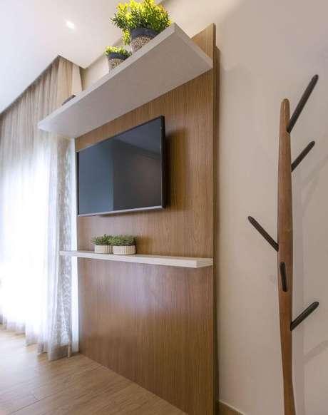 44. Painel para tv no quarto – Projeto: Luciane Mota