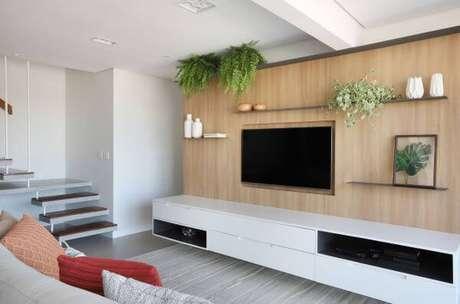 55. Painel para tv de madeira – Projeto: Studio Canto Arquitetura