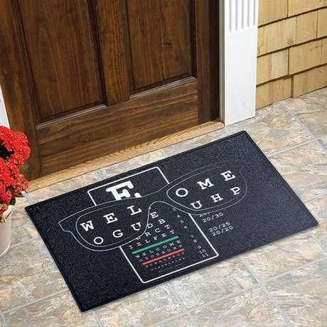 25. Tapete capacho divertido pode ser uma boa opção para a decoração de sua área externa – Foto: Via Pinterest