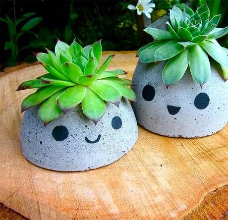 21. Vasos de cimento personalizados transmitem alegria ao ambiente – Foto: Via Pinterest