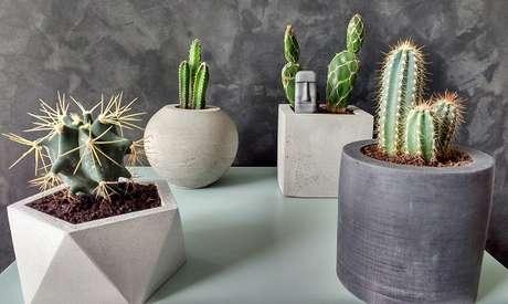 27. Vaso de cimento podem ter diferentes formas e tamanhos também – Foto: Elo 7