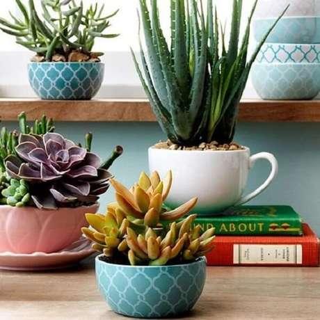 62. Xícaras são vasos incríveis para suculentas – Foto: Via Pinterest
