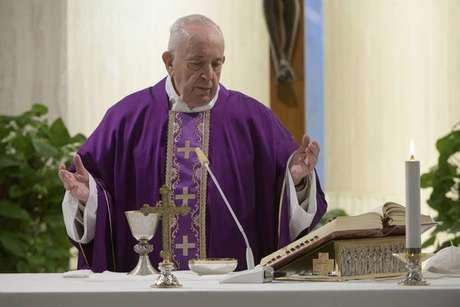 Papa Francisco celebrando a missa na Casa Santa Marta