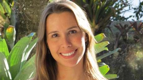 A microbiologista Fabienne Ferreira financia seus próprios projetos de pesquisa