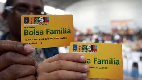 Cerca de 45% dos R$98 bilhões anunciados pelo governo serão destinados a beneficiários do Bolsa Família