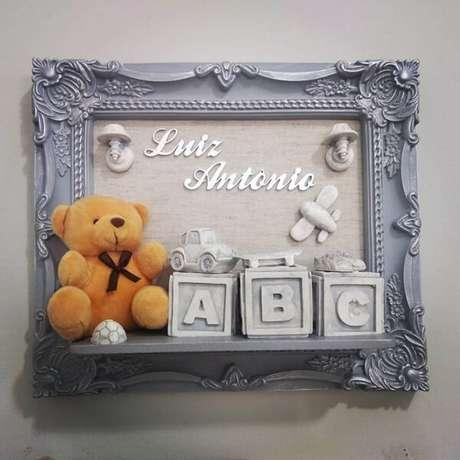 65- Modelo de quadro para quarto de bebê personalizado. Fonte: Apê da Cor