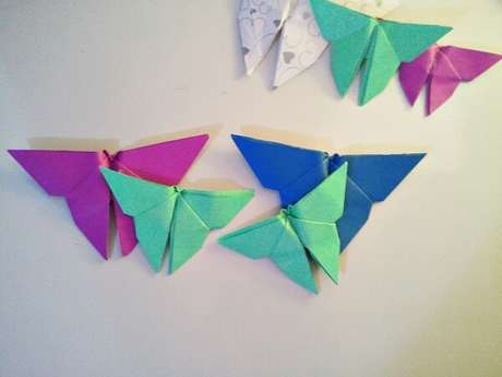 34. Origami fácil de borboleta coloridas – Foto: Elo 7