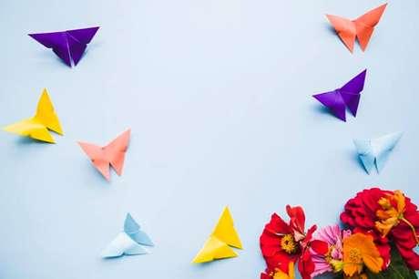 33. Borboletas de origami fácil coloridas – Foto: Freepik