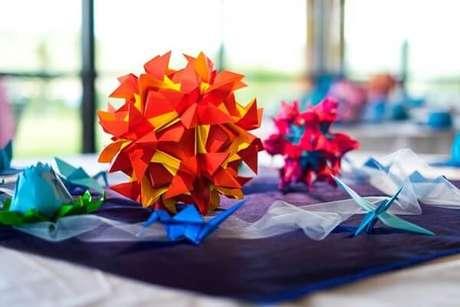 26. Buques de flores em origami também ficam lindos – Foto: Tudo ela