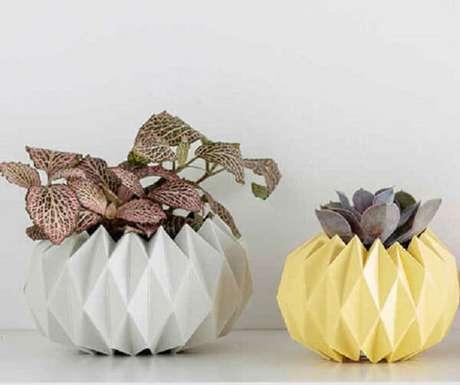 25. Vasos decorativos também são possíveis de serem feitos em origami – Foto: Via Pinterest