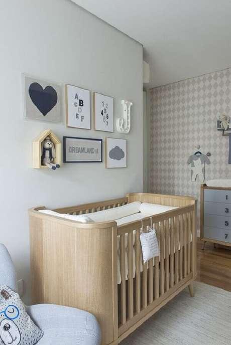 16- O quadro para quarto de bebê tem o tema de números repetidos como puxadores do trocador. Fonte: Gestação Bebê