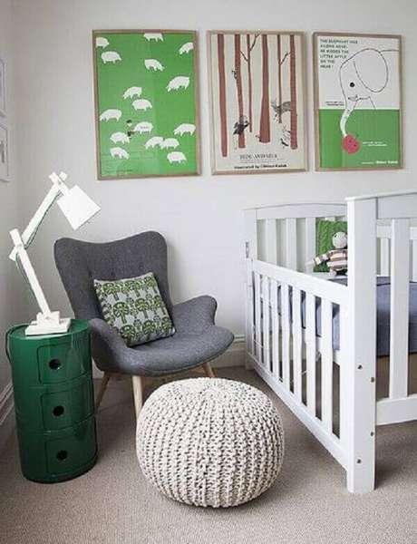 5- O quadro infantil para quarto de bebê complementa a decoração baseada na cor verde. Fonte: Gestação Bebê