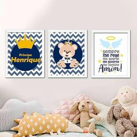 37- O quadro para quarto de bebê tem como tema central o nome da criança. Fonte: Pinterest