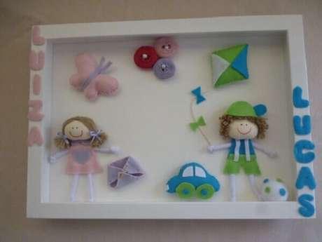 42- O quadro para quarto de bebê compartilhado tem o nome das crianças em destaque. Fonte: Decoração e Arte