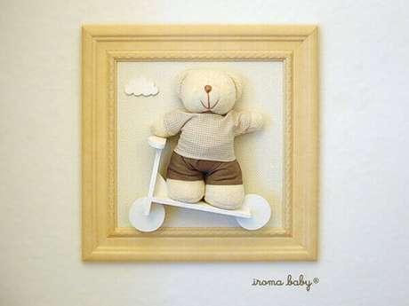 49- No quadro para quarto de bebê em 3D, a moldura tem a mesma cor da parede apenas com tom mais forte. Fonte: Iroma Baby