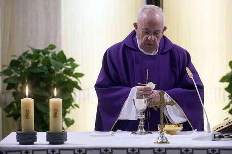 Papa Francisco celebra missa na Casa Santa Marta