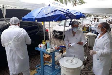 Teste rápido para Covid-19 é realizado na Santa Casa em Santos (SP)
