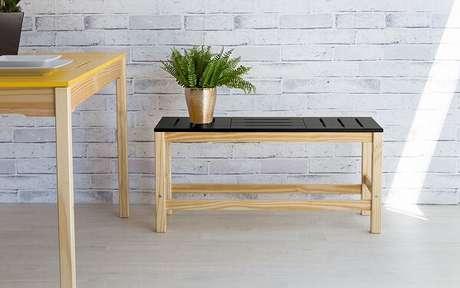 25. Madeira em diferentes tons podem determinar o estilo do ambiente – Foto: Idea Store