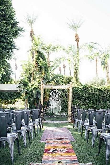 12. Os filtro dos sonhos ficam lindos na decoração de cerimônia e festa de casamento – Foto: Marbella Marriages