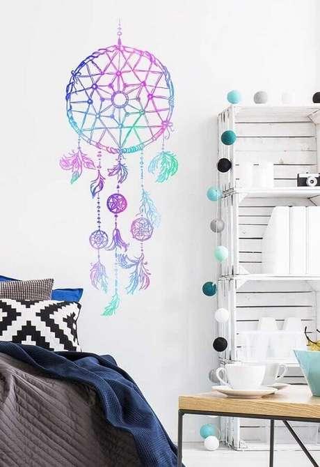 20. Decoração com adesivo de filtro dos sonhos colorido – Foto: Pinterest