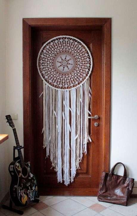 55. Porta decorada com filtro dos sonhos – Foto: Etsy