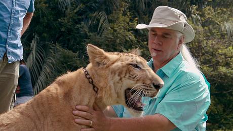 Outro proprietário de um parque de grandes felinos que aparce na série, Doc Antle já colaborou com Hollywood em vários filmes de animais