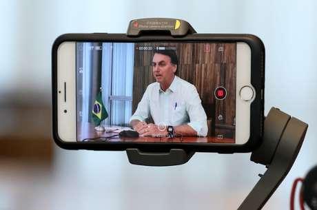 Em guerra com a Globo, Jair Bolsonaro fez aparição no SBT para falar de Páscoa e da pandemia de covid-19