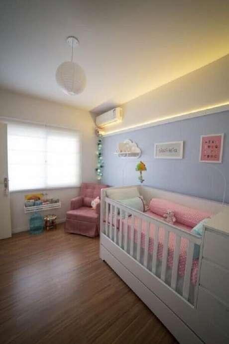 16. Decoração de quarto de bebê rosa e azul – Foto: Studio Feijó