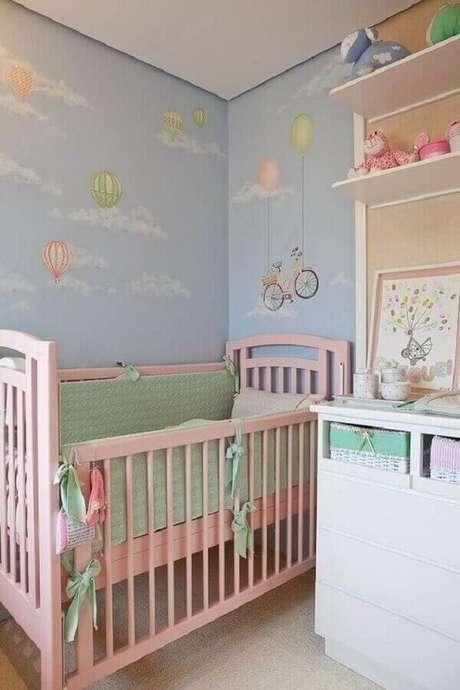 23. Decoração lúdica e divertida para quarto de bebê rosa e azul – Foto: Pinterest
