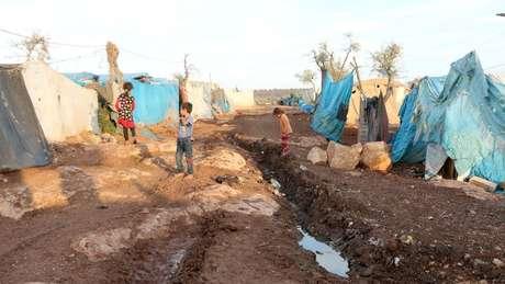 Em lugares onde o acesso à água limpa é limitado, a disenteria bacteriana é um problema sério, especialmente para crianças