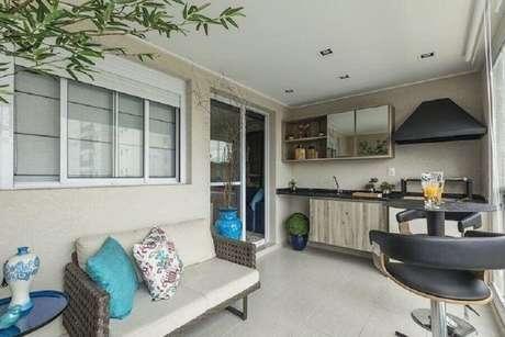 40. Decoração de apartamento com área gourmet simples – Foto: Ricardo Lopes