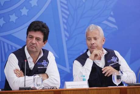 O Ministro da Saúde Henrique Mandetta e João Gabbardo, durante coletiva de imprensa no Palácio do Planalto, em Brasília/DF