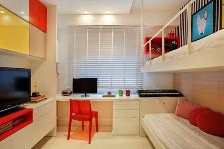 19. Decoração colorida para cantinho de estudo no quarto – Foto: Ideias para Decorar