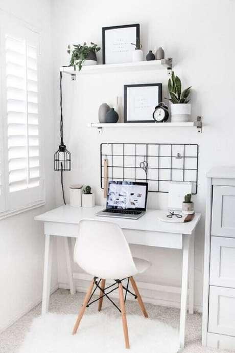 32. Procure um lugar bem iluminado e com boa circulação de ar para fazer seu cantinho de estudo – Foto: Casa Vogue