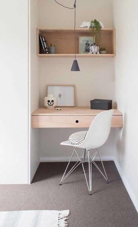 43. Decoração minimalista para cantinho de estudos pequeno – Foto: Pinterest