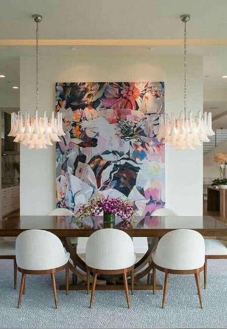 26. Quadro abstrato grande e colorido para decoração de sala de jantar moderna e sofisticada – Foto: Pinterest