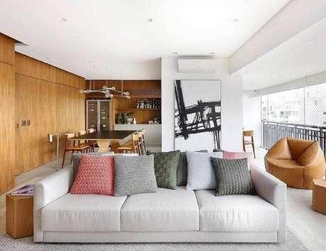 27. Quadro abstrato grande para decoração de sala moderna integrada com varanda e sala de jantar – Foto: Pinterest