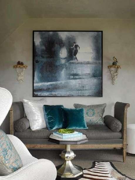 33. Quadro abstrato para decoração de sala simples cinza – Foto: ArchZine