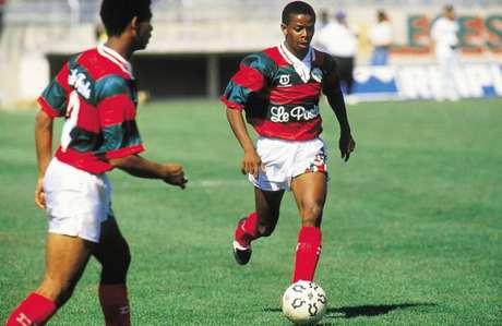 26 ANOS DE SAUDADE: Dener brilhou com a camisa da Portuguesa e faleceu aos 23 anos em desastre (Reprodução)