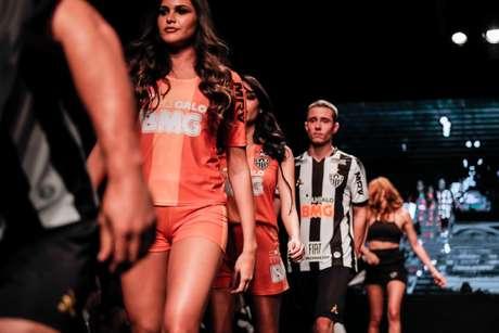 A camisa do Galo tem valor discutido para manter o mesmo patamar atual dos parceiros-()Bruno Cantini/Atlético-MG)