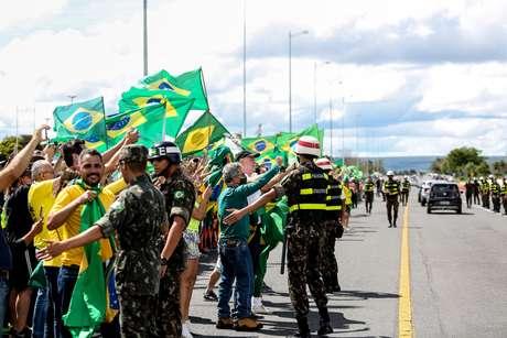 Bolsonaristas teriam lucrado mais de R$150 mil com atos