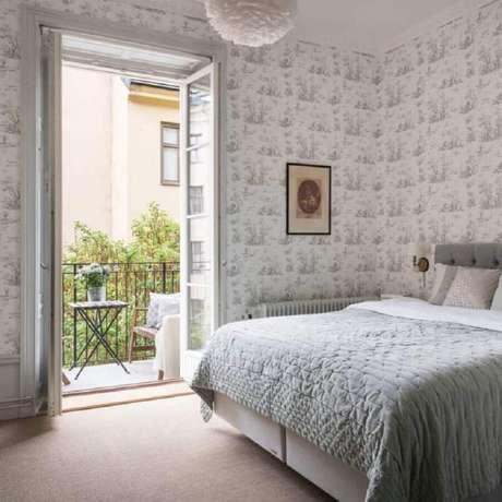 11. Invista na porta francesa para decoração de quarto com sacada ou varanda – Foto: Alexander White