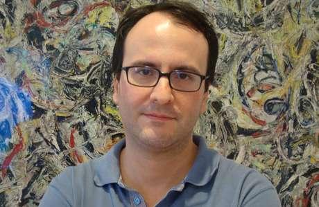 Nenhum veículo de comunicação deve transformar uma história complexa em melodrama, afirma o professor Marco Vale