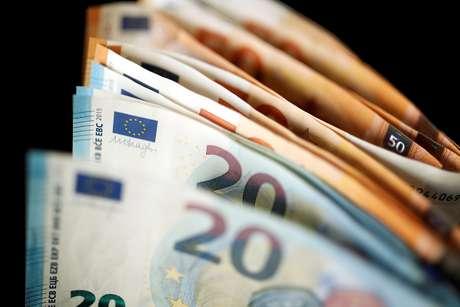 Notas de 50 e 20 euros 14/11/2017 REUTERS/Benoit Tessier