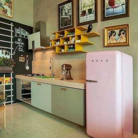 67. Verde e rosa também combinam na decoração vintage – Foto: Tua casa
