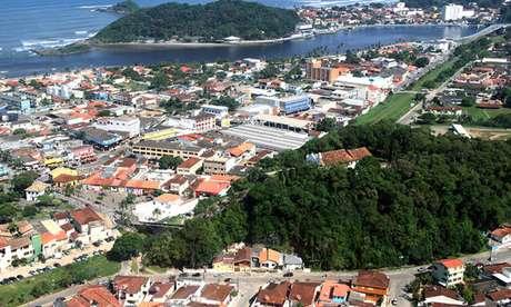 Justiça determina bloqueio de cidades no litoral sul de São Paulo no feriadão