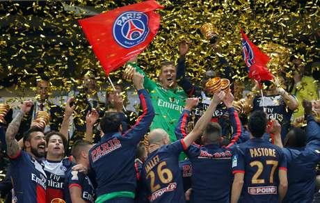 Jogadores do PSG comemoram conquista da Copa da Liga francesa de 2014 19/04/2014 REUTERS/Benoit Tessier
