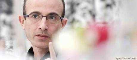 """Yuval Noah Harari: """"A humanidade tem todo o conhecimento e as ferramentas tecnológicas para vencer o novo coronavírus"""""""